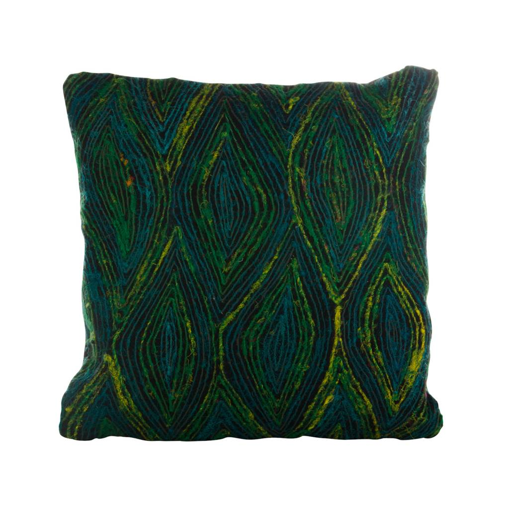 Kussen vierkant multi colour peacock zijde large zwarte ondegrond -