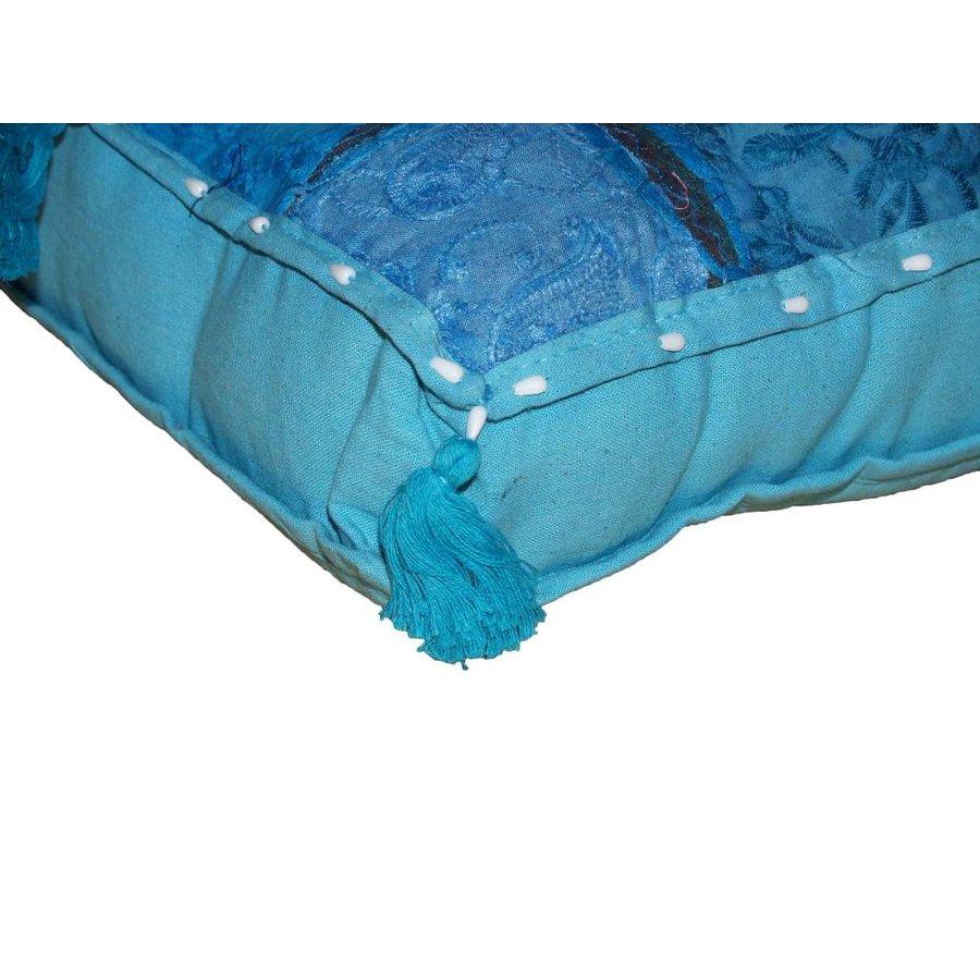 Kussen groot blauw India met kwastjes