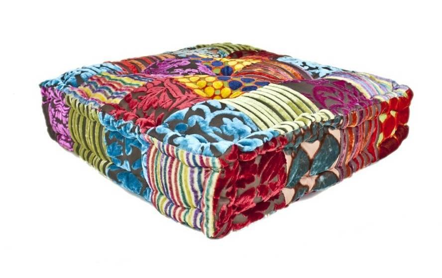 Oosters matraskussen gemaakt van kleurrijk patchwork met de hand ...