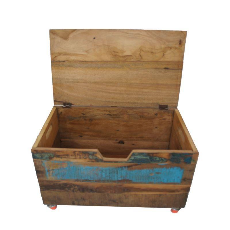 Opberg speelgoedkist in kinderkamer - Houten doos op wielen ...