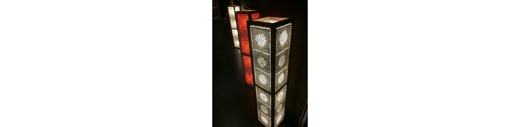 Staande vloerlampen glasmozaiek met houten frame