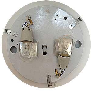 Achterplaat van plafondlamp met fittingen