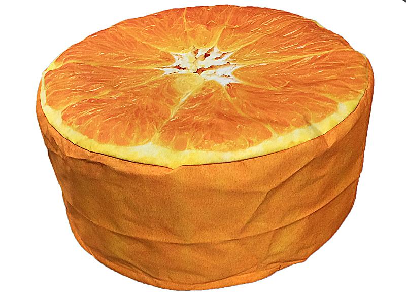 Poef voor buiten in sinaasappel vorm