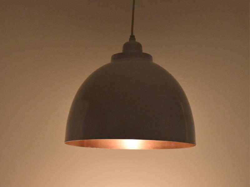 Open hanglamp met koperen binnenkant
