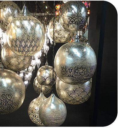 Filigrain lampen in het zilver