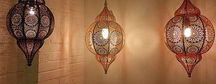 Slaapkamer sfeerverlichting voor een gezellige oosterse sfeer. -