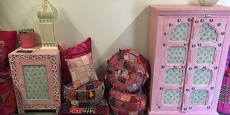 Roze kinderkamer meubeltjes