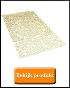 Goud kleurige blokprint op vloerkleed
