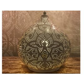 Witte filigrain tafellamp