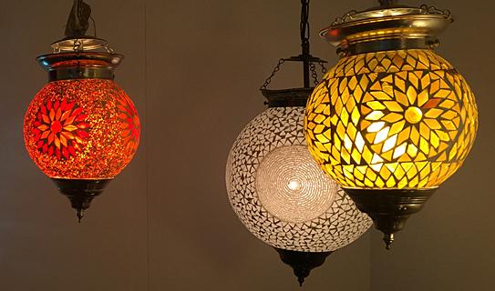 Grote en kleine mozaïek hanglampen
