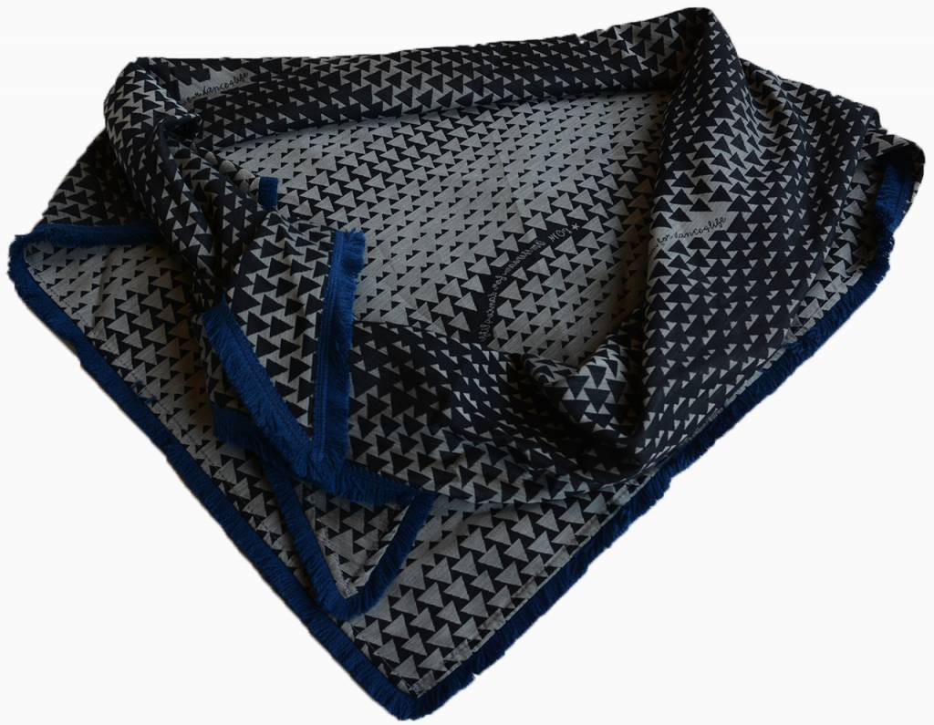 POM Amsterdam dance4life shawl - blue
