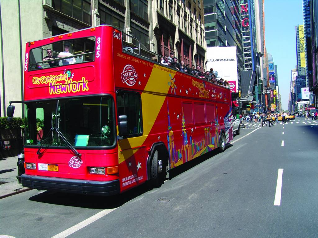 Hop-on, hop-off bus pass, valid on the Downtown and Uptown routes. Includes a choice ,+ followers on Twitter.