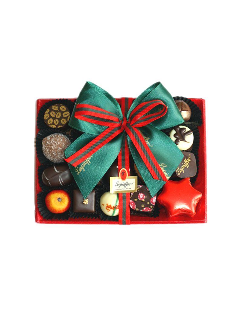 Weihnachtsspezialitäten in eleganter Prägeschale, feine Sahnetrüffelpralinen, Marzipan und Honiglebkuchen