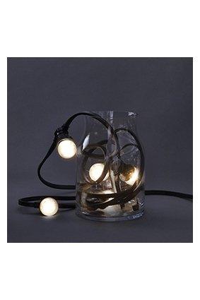 Buitenverlichting in de vorm van een lichtketting