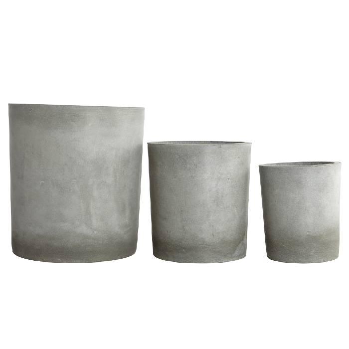 Lichtgrijze cementen plantenpot