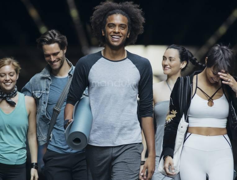 Waarom kiezen voor duurzame yogakleding?