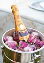 Ijsblokjes met roze roosjes voor extra romantiek