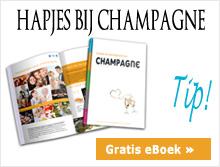 Hapjes bij champagne