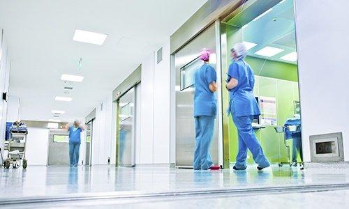 Ziekenhuis schoenen en medische klompen