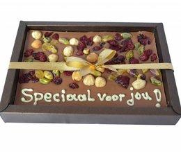 Speciaal voor jou, luxe melk chocolade met noten 200 gram