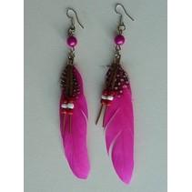 Oorbellen Indian veer donker roze