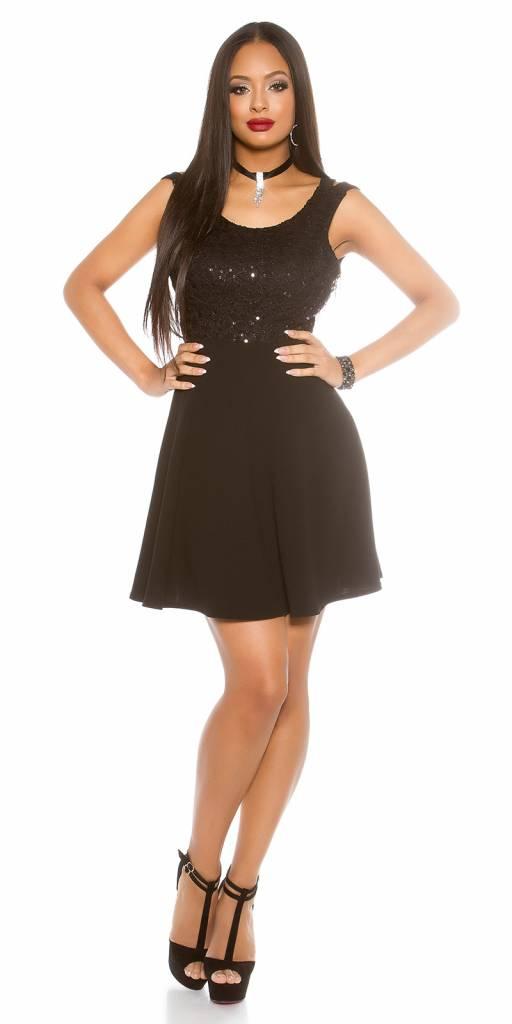 Zwart jurkje wijde rok