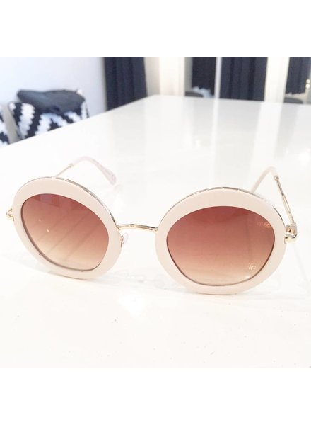 WLM WHITE SUNNIES