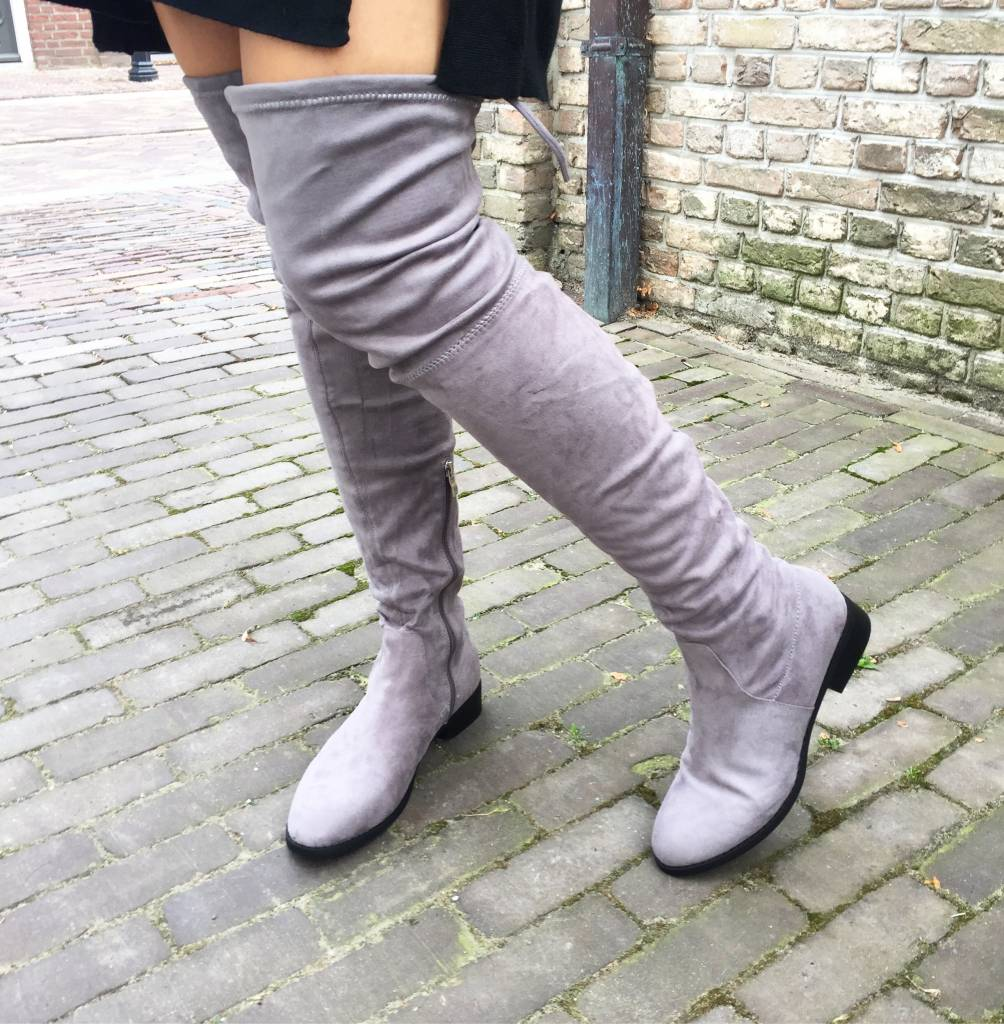 HIGH KNEE GREY BOOTS