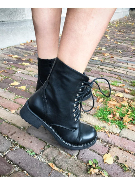 THE MEL BOOTS