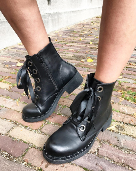 INSPIRED BLACK BOOTS