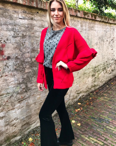 FLARED RED CARDIGAN