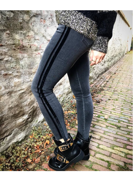 QUEEN HEARTS STRETCH JEANS GREY
