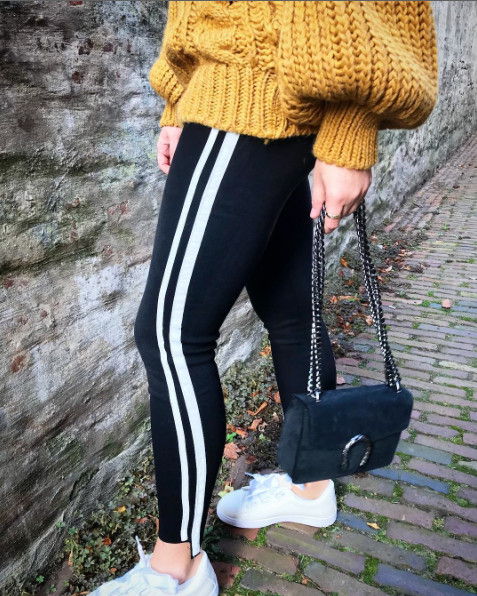 QUEEN HEARTS BLACK STRETCH JEANS WHITE STRIPES