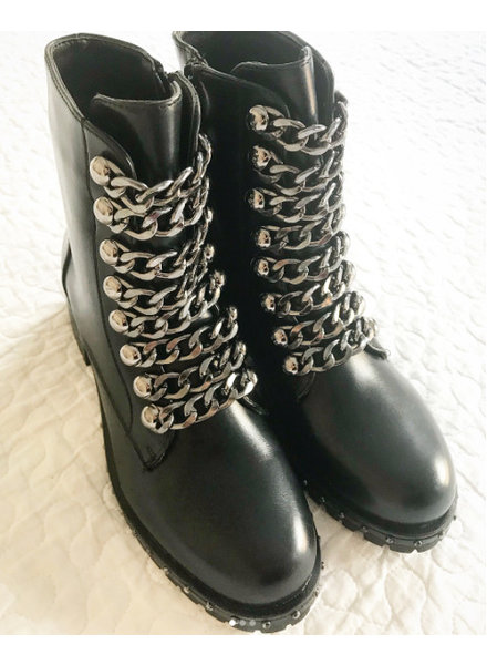 CHAIN BLACK BOOTS