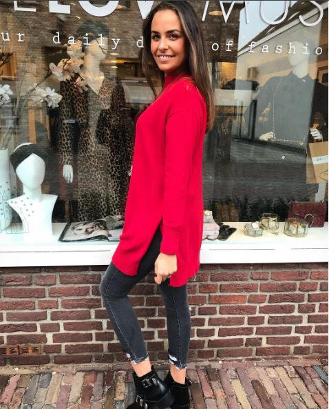 RED COMFY SWEATER