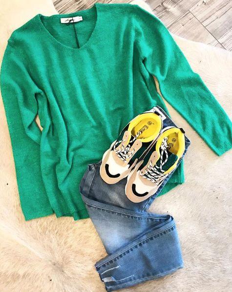 SOFT GREEN SWEATER