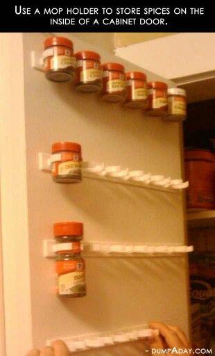 opruimen kruidenpotjes keuken