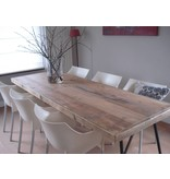 """Lystrup"" Table en pin recyclé au style industriel"