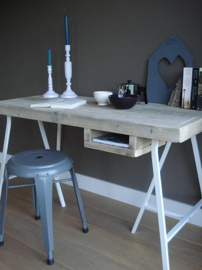 tonstad bureautafel van steigerhout met schragen pure wood design. Black Bedroom Furniture Sets. Home Design Ideas