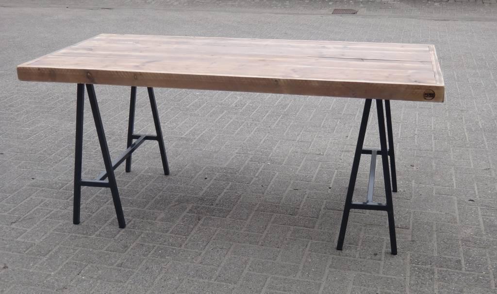 Table industriel bois d 39 chafaudage avec tr teaux pure - Table avec treteau ...