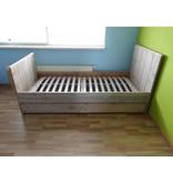 'Moland' bed steigerhout