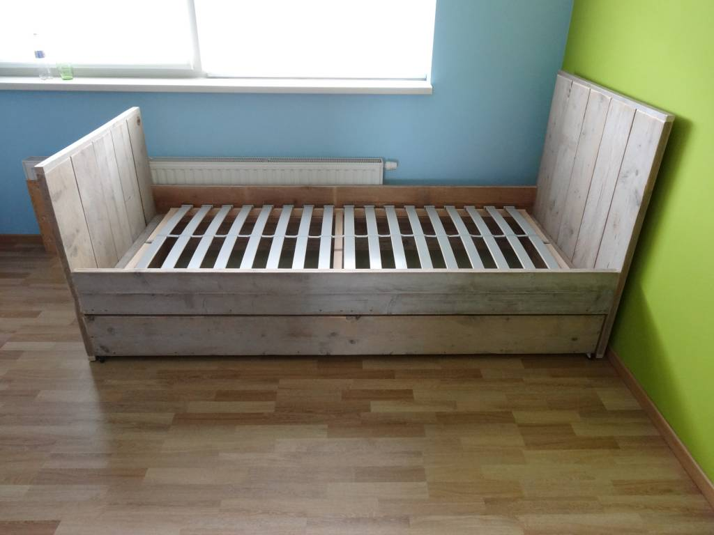 Steigerhouten bed op maat   pure wood design