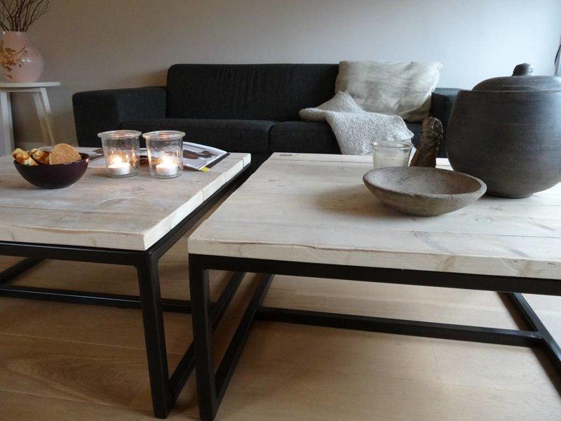 Industrielle table basse bois d'échafaudage (acier ouvert)