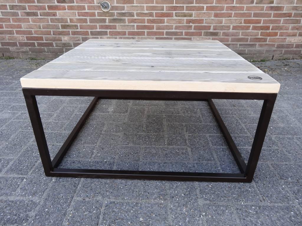 Industrielle table basse bois acier ferm pure wood design for Table basse design bois acier