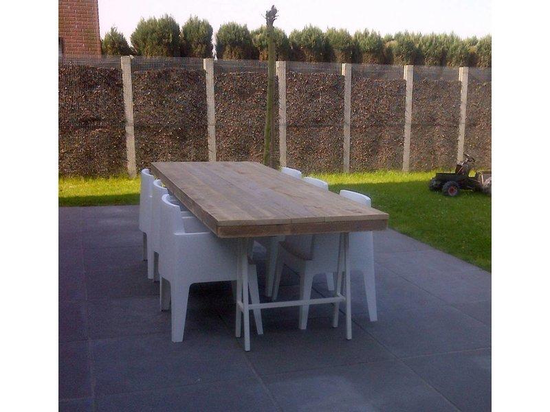 'Lystrup outdoor' industriele tuintafel steigerhout/schragen