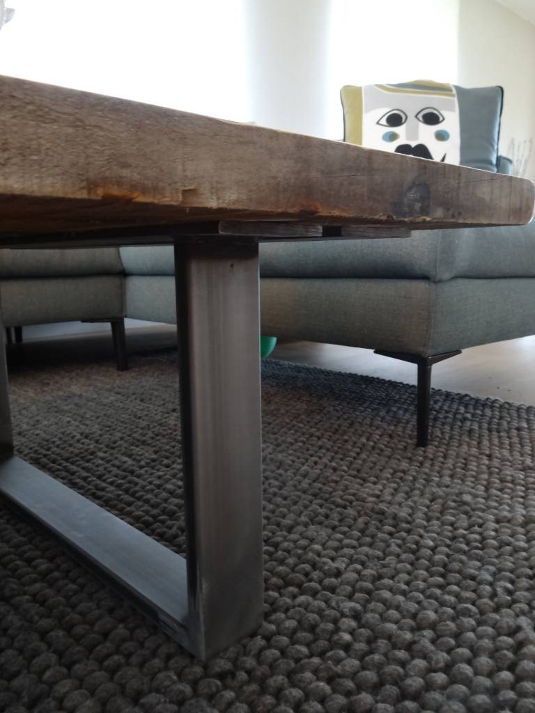 Pure wood design industrielle couchtisch recyceltem holz for Couchtisch stahl holz
