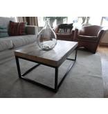 """Hindholm"" Table basse en bois robuste au style industriel"