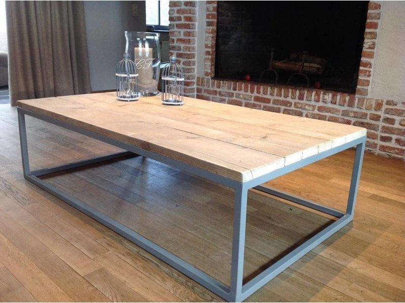 'Dalvik'' industriele salontafel steigerhout/stalen onderstel gesloten