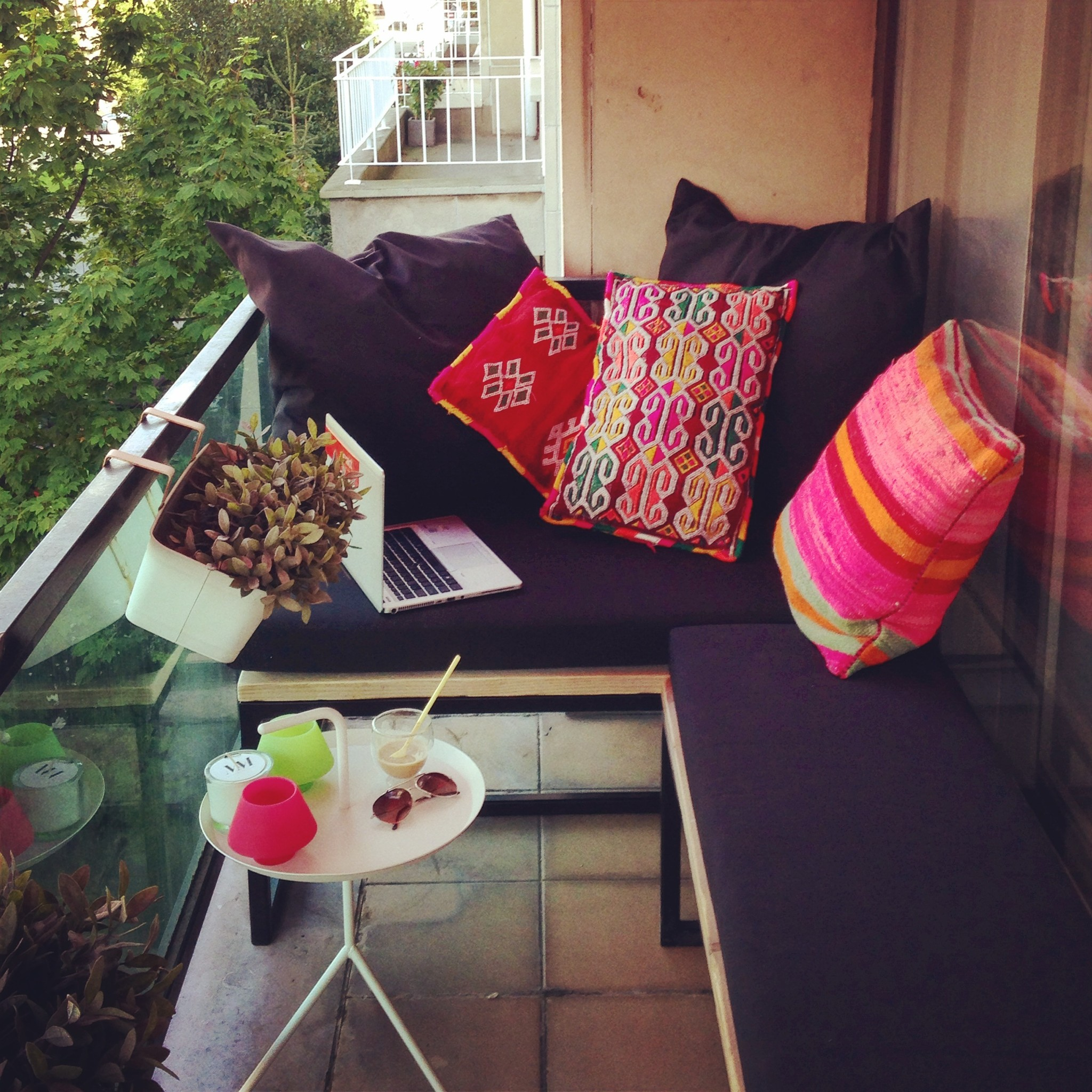 ma arbeit pure wood design. Black Bedroom Furniture Sets. Home Design Ideas
