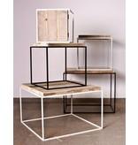 Table basse en pin recyclé et métal
